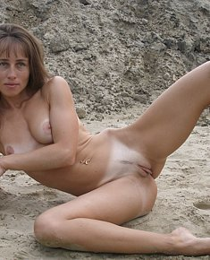 Weak on the front end blonds and brunet girls remains naked on the nude beach