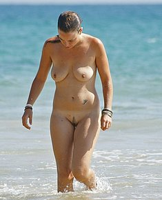 nudist women pictures