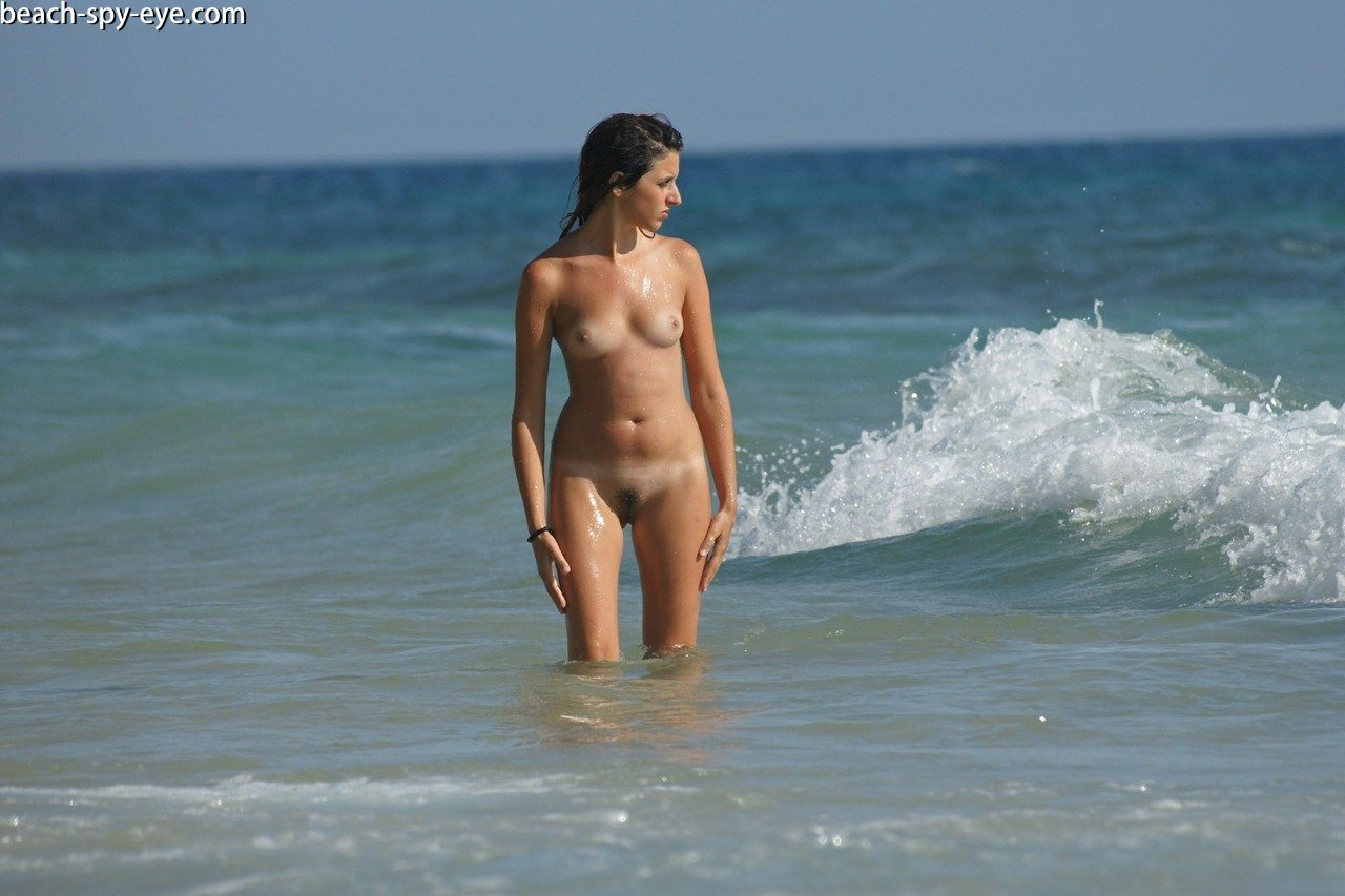 Weak On The Front End Proud Nudist Women Admires Its Body -7412