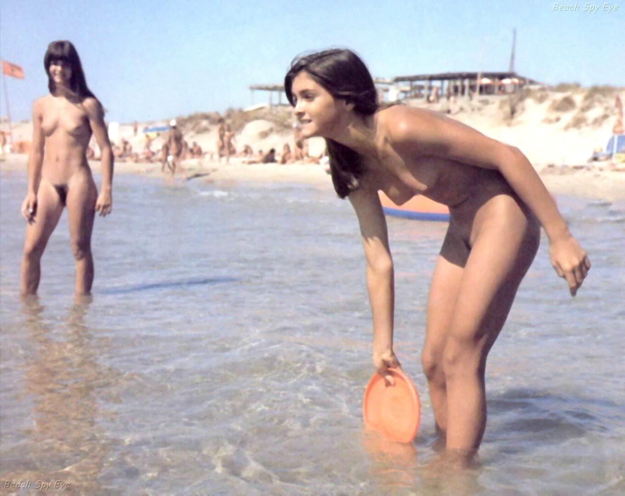 beach teen nude pics