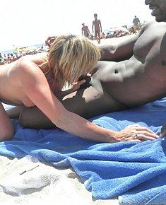 Beach sex voyeur