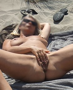 Nudist has sex